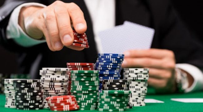 "Strategi Poker Online - Menggunakan ""All-In"""